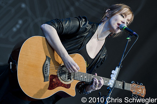 Suzanne Vega @ Lilith Tour, DTE Energy Music Theatre, Clarkston, MI - 07-21-10 | by schwegweb