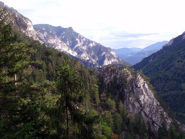 Schneeberg Peternpfad 150m (5-) Kasnockn 140m (6)