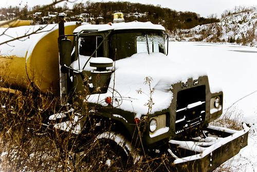 mack truck old mack truck forum. Black Bedroom Furniture Sets. Home Design Ideas