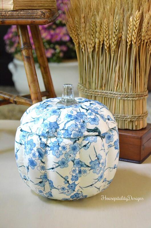 DIY Blue and White Pumpkin - Housepitality Designs