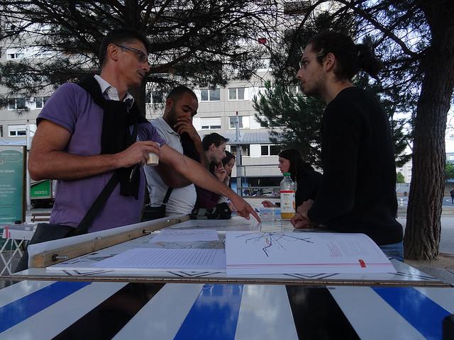 Métro Ligne 3 Toulouse - débat mobile gare des Arènes