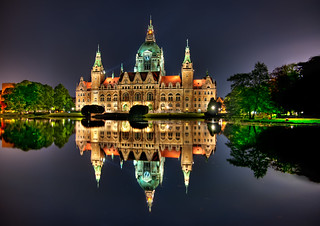 Hannover Rathaus | by Sprengben [why not get a friend]