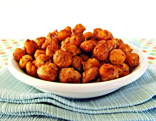 Spicy Roasted Chickpeas | by CinnamonKitchn