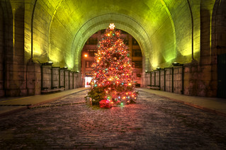 Merry Christmas from under the Manhattan Bridge | by mudpig