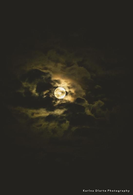 moon - Paraguay
