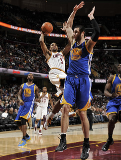 Sesions Shoots over the Warriors | by Cavs History