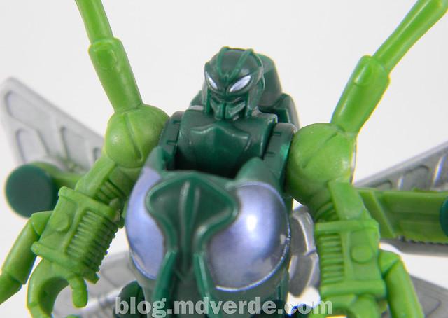 Transformers Waspinator - Transformers Generations Takara - modo robot