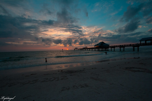 Pier sunset-5.jpg | by LyddieGal