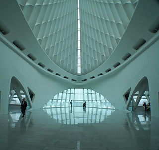 Santiago Calatrava Designed Milwaukee Art Museum | by garyegarye