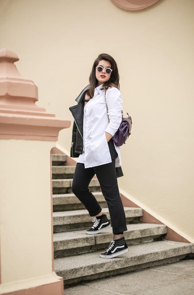 SS17-Street_Style-Outfits-Myblueberrynightsblog-Vans-fishnets-socks 4