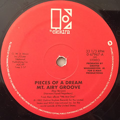 PIECES OF A DREAM:MT. AIRY GROOVE(LABEL SIDE-A)