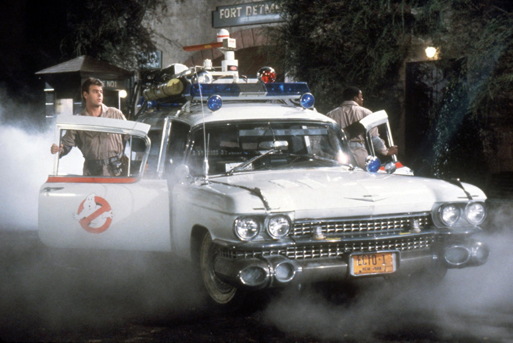 #Fave80sCar Ghostbusters ECTO-1