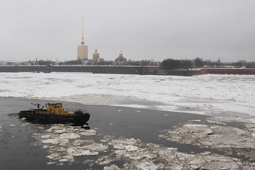 Heading upriver, the Peter and Paul Fortress in the background