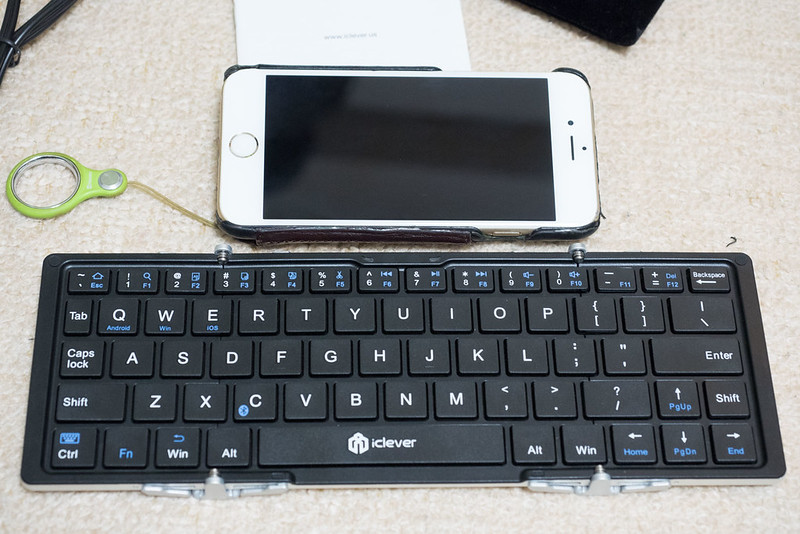 Foldable_Wireless_Keyboard-8