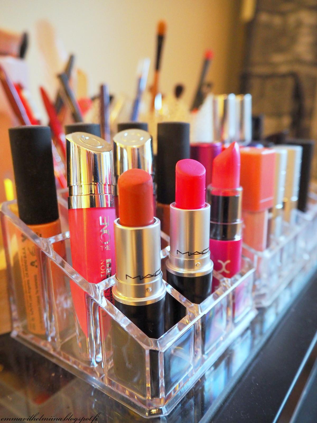 lipstick organizer plastic
