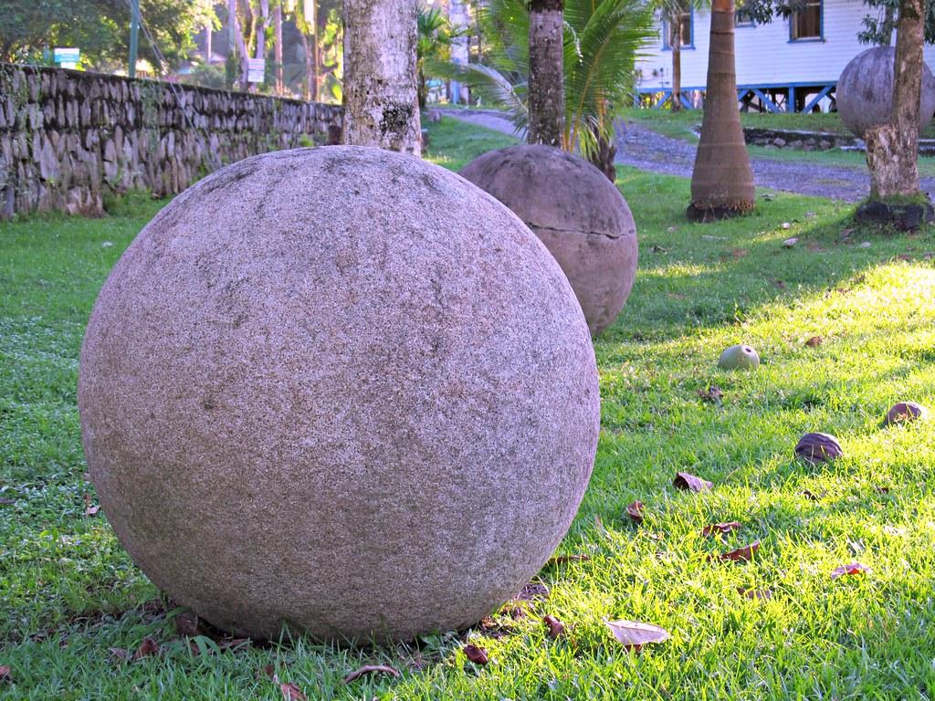 Esferas de piedra de Costa Rica (Stone spheres of Costa Rica)