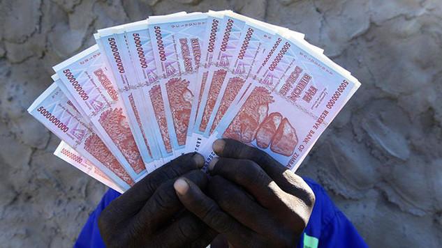 banconote da 500 miliardi di dollari zimbabwiani ritirate nel 2009