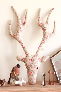 Mr Roe small rose mantel | by a wooden tree