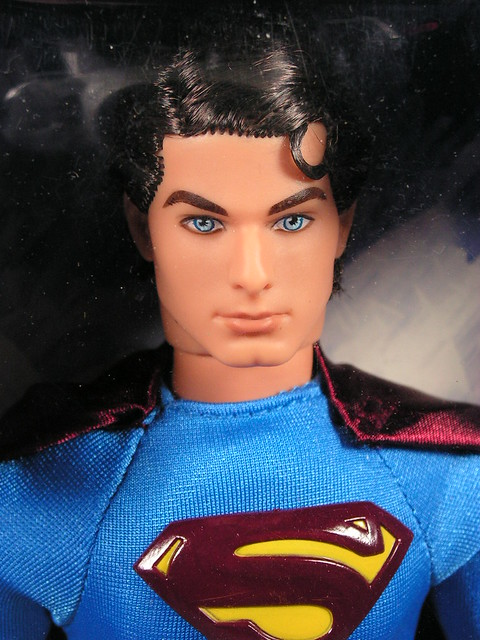 2005 Barbie Superman Returns Superman J5289 (1)