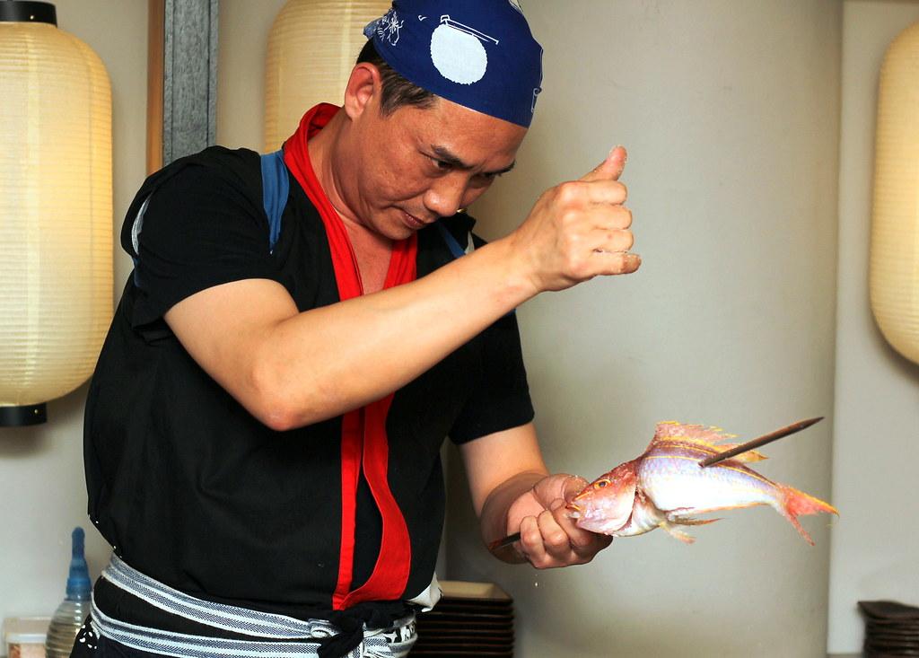 kurama-robatayaki-chef-in-action