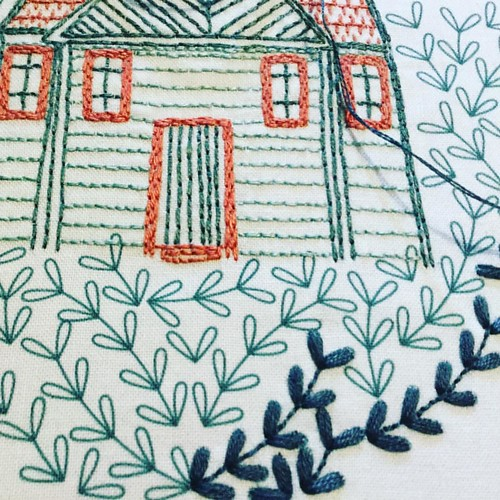 Satin stitch all the leaves! #cozybluestitchclub