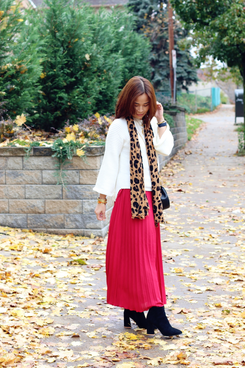 red-pleated-skirt-white-sweater-2