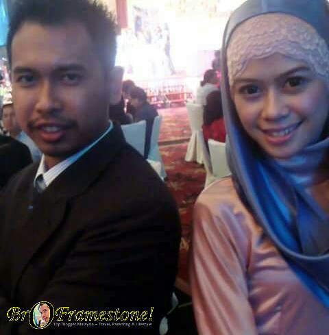 Blogger Bro Framestone dan Heliza Helmi
