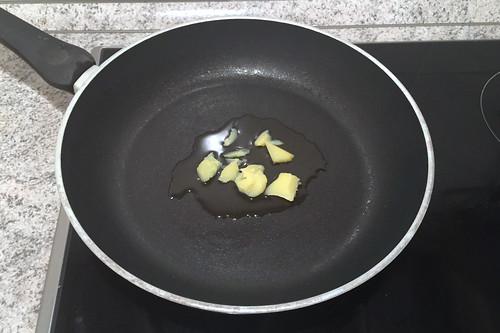 61 - Butterschmalz erhitzen / Heat up ghee