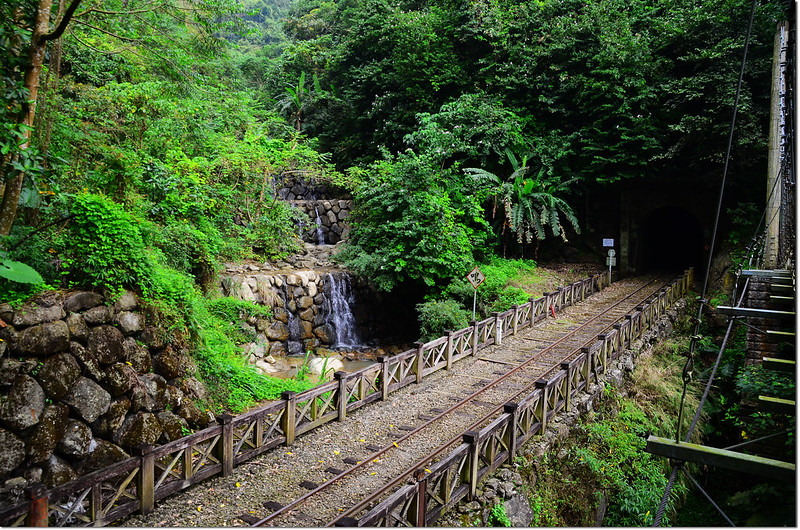 獨立山步道二號橋旁小溪