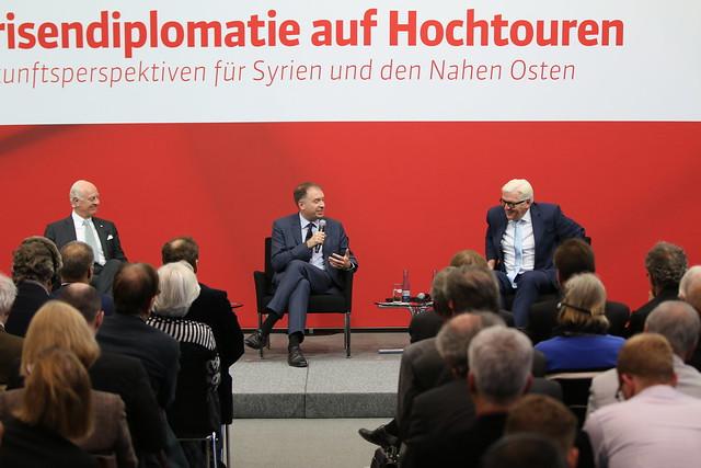 """Konferenz """"Krisendiplomatie auf Hochtouren"""" am 22.11.2016"""