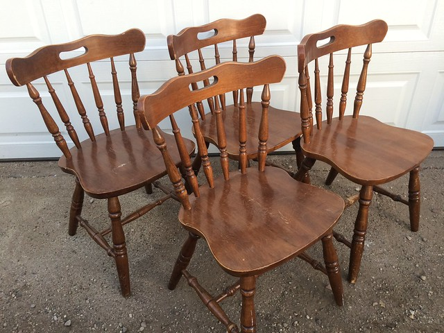 Kitchen Tables / Chairs