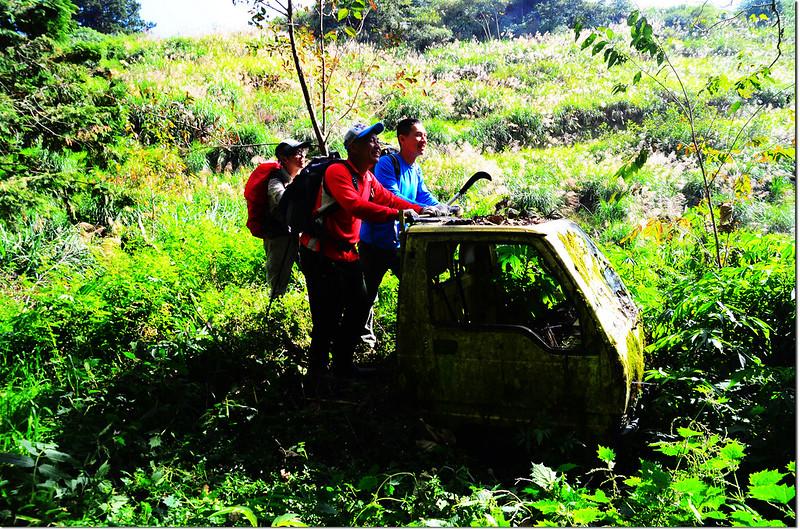 卡拉寶下農場廢汽車