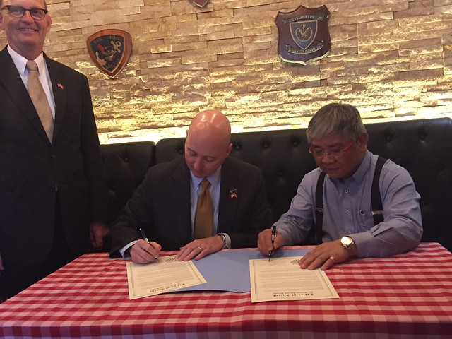 Gov. Ricketts, Trade Delegation Help Bolster Ag Exports from Nebraska to China - 11/15/2016