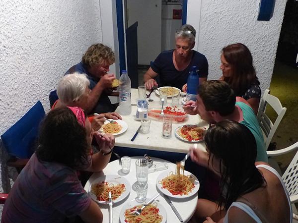 un dîner tous ensemble