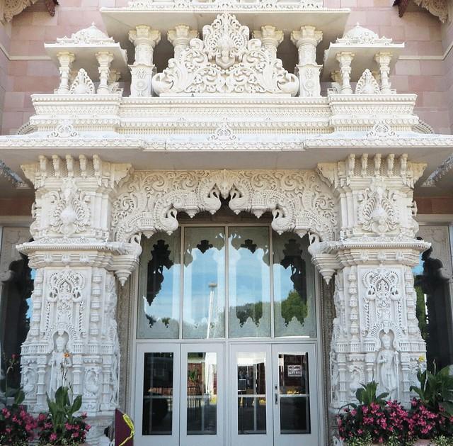 Front entrance. September 2016  Swaminarayan Akshardham Mandir in Robbinsville, NJ;  BAPS.org/Robbinsville IMG_0263