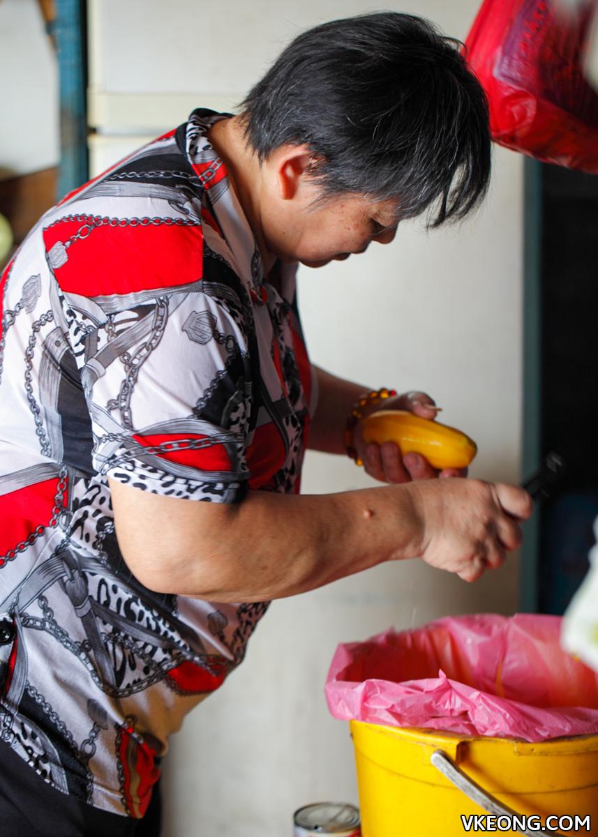 Slicing Fresh Mango
