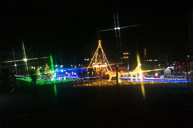 シバヒロ広場のクリスマスイルミネーション
