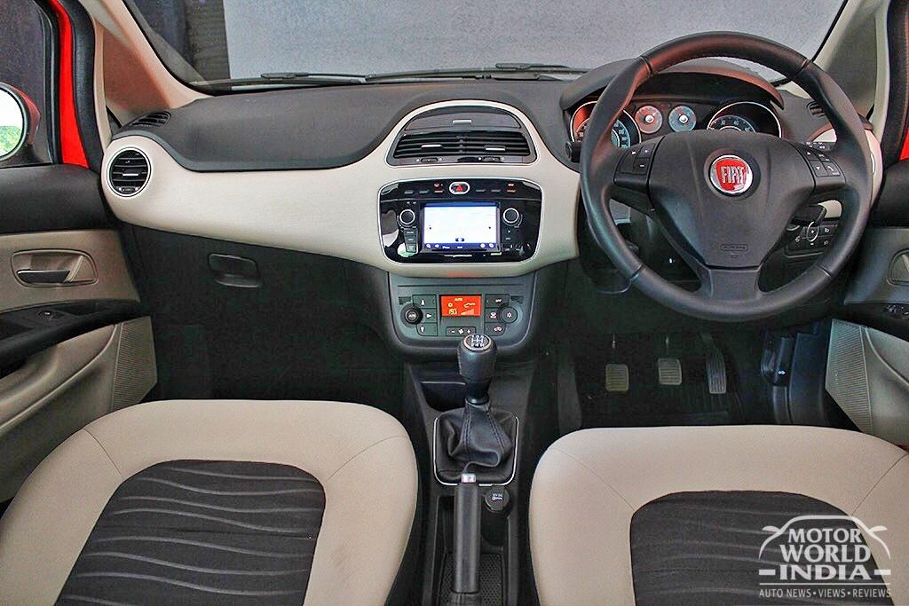 Fiat-Avventura-Urban-Cross-Interior-Dashboard