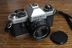 Yashica FX-D Quartz + Carl Zeiss Tessar 45mm f/2.8