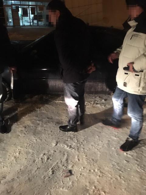 СБУ затримала на хабарі заступника начальника управління Житомирської митниці