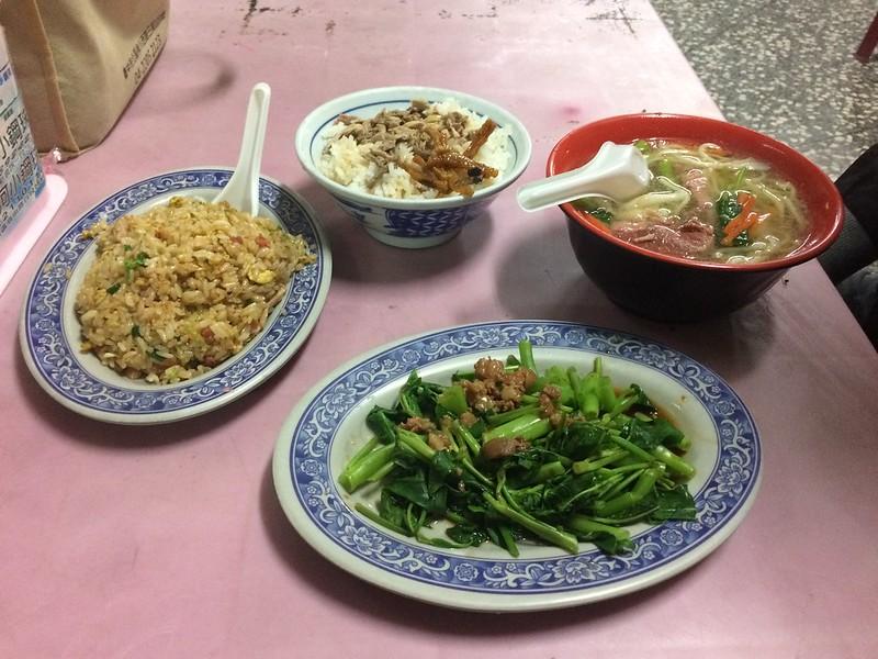 肉絲炒飯&鴨肉飯&燙青菜&鴨肉湯麵