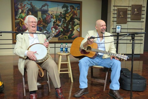 2015-05-25 Banjo and Guitar Demonstration: Curtis McPeake and Andy May