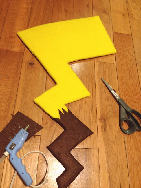 Making Pikachu tail, 2