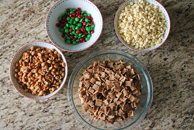 Recipe With Golden Grahams Cereal And White Chocolate