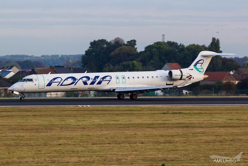 Adria Airways - CRJ9 - S5-AAK (1)