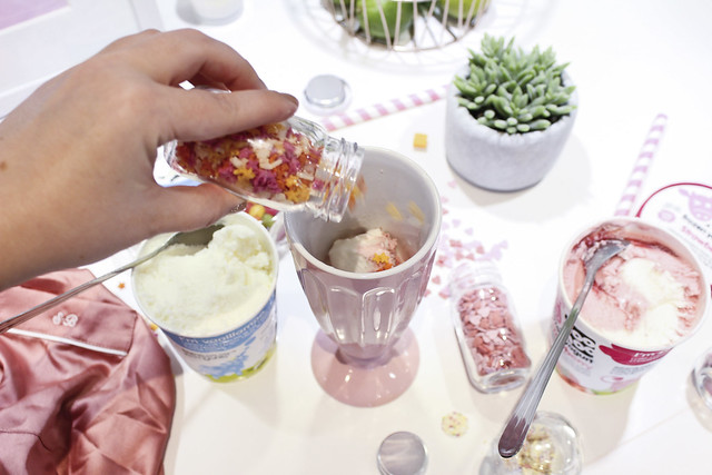 yoomoo frozen yogurt