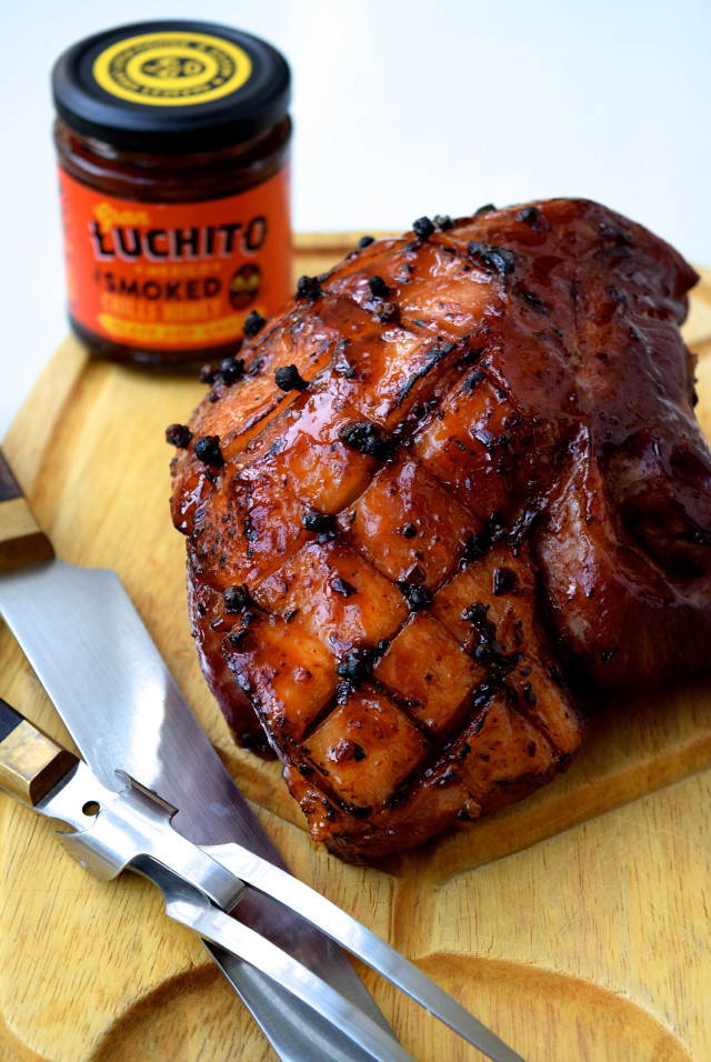 Smoked Chilli & Honey Glazed Christmas Ham | www.rachelphipps.com @rachelphipps