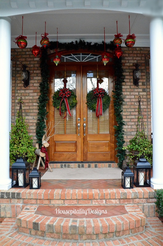 Christmas Porch - Magazine feature - Housepitality Designs