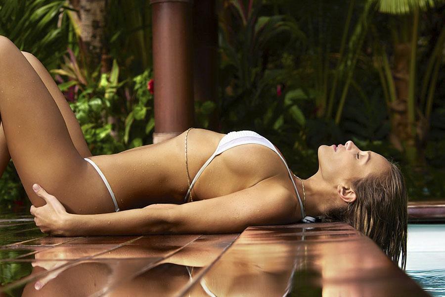 Сексуальная супермодель Ханна Дэвис в горячей фотосессии - ПоЗиТиФфЧиК - сайт позитивного настроения!