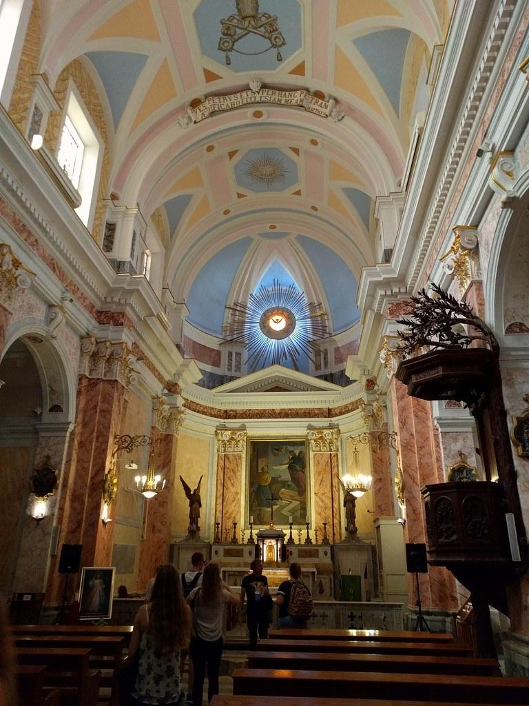 Яффская церковь изнутри